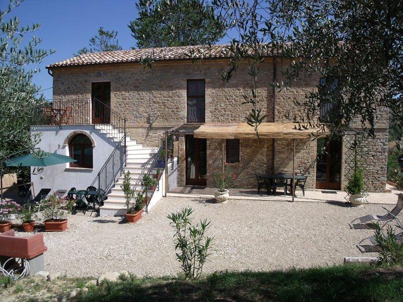 Casale l'Oliveto - Logeren bij Belgen in Italië
