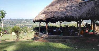 Plot 99 - Coffeehouse & Lounge - Belgen in Oeganda