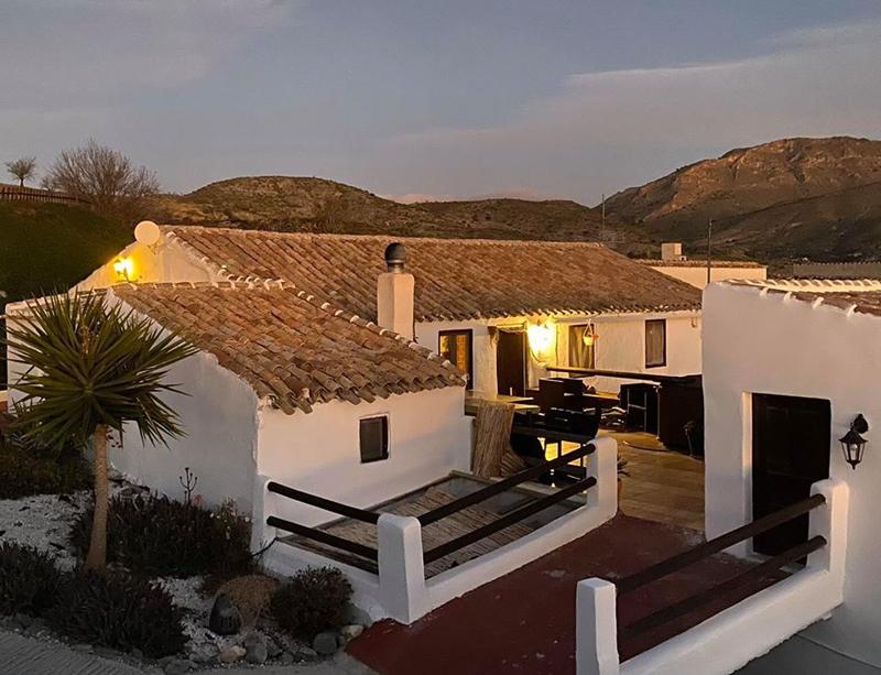 Casa Rural Los Lujos B&B