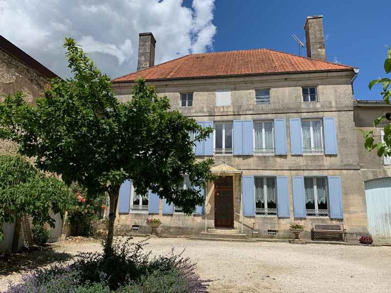 Les Hirondelles - Logeren bij Taalgenoten in Frankrijk